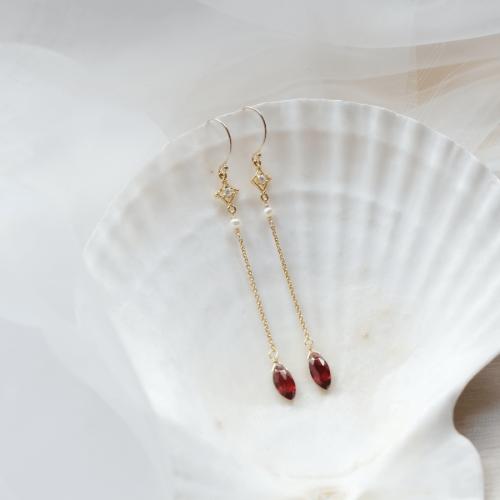雙尖寶石搖曳耳環 – 紅石榴石