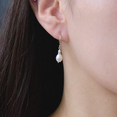 克卜勒的日記 – 橢圓珍珠耳勾
