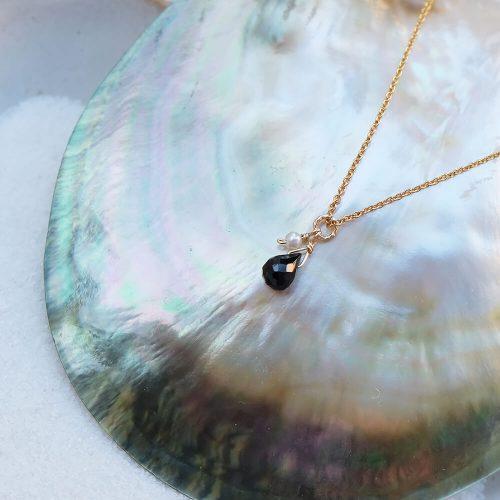 經典水滴寶石 – 黑尖晶 | 白水晶